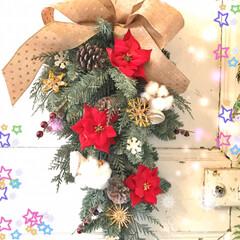 お花好き/クリスマススワッグ/クリスマス2019/リミアの冬暮らし/セリア/100均/... 先日、玄関先用のクリスマススワッグを作り…