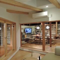 増築/居間/食堂/デッキ 増築居間から食堂を見る