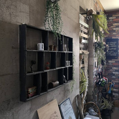 玄関/廊下/コンクリート柄/壁紙屋本舗/すのこ棚/すのこリメイク/... 今日は ゴミ屋敷かって思われる位 廊下に…