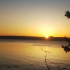 キャンプ飯/キャンプ/夕日/夕焼け/サンセット/GW 昨日の夕焼け🌇 都会で見るよりずっと神々…