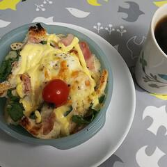 器/陶器/カフェ/カフェ飯/おうちごはん 一枚目は乃が美のパンで エッグベネディク…