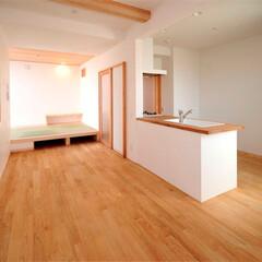 栗フローリング/床暖房/床下収納 キッチンも木のキッチン。床は栗フローリン…