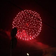 花火大会 毎年開催される花火大会 豪雨決行ですが …
