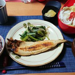 つや姫/ごはんメモ/おうちごはん 今夜のごはん📝 ほっけ 小松菜の七味炒め…
