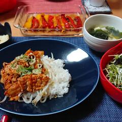 簡単ごはん/豚肉レシピ/豚キムチ丼/つや姫/ごはんメモ/リミとも部家事フォト/... 今夜のごはん📝 *豚キムチ丼 *豆腐とわ…