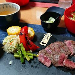 ポテトサラダ/ステーキ/つや姫/ごはんメモ 今夜のごはん📝 ミスジのステーキ🥩 ポテ…