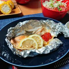 ホイル焼き/つや姫/ごはんメモ/おうちごはん/簡単 今夜のごはん📝 *鮭のホイル焼き(鮭、玉…