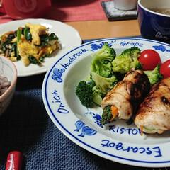十六穀米/簡単スープ/ささみ料理/ささみロール/つや姫/ごはんメモ/... 今夜のごはん📝 *にんじんとアスパラのさ…(1枚目)