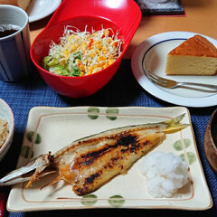 舞茸とツナの炊き込みごはん/かます/おうちごはん/ごはんメモ/長崎堂のバターケーキ/長崎堂/... 今夜のごはん📝 *かますの開き *舞茸と…