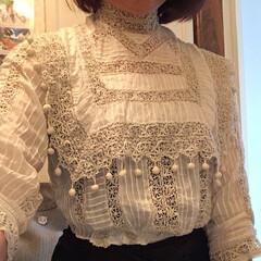 アンティークブラウス/ファッション 銀色アンティークさんからアンティークブラ…