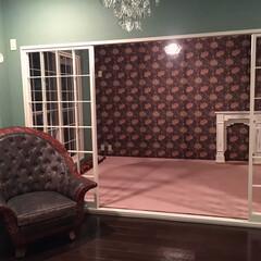 マントルピース/ウィリアムモリス/アンティークソファー/色壁/リフォーム 築37年のマンションを購入。 リフォーム…