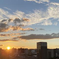 空/夕日 秋らしくなって来ました🍁 涼しい風が吹き…(1枚目)
