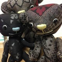 大島紬/くま 大島紬のはぎれから作ったクマです。渋いク…