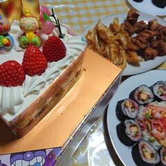 ちらし寿司/巻き寿司/アンパンマン/ひな祭りケーキ/ひな祭り/おうちごはんクラブ/... 昨日は、姪っ子ちゃんのひな祭りに参加して…