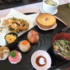 ピンク おもてなし和食 ひなまつりでもいいですね。