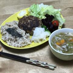 サラダ/とうもろこし/玄米/ハンバーグ/夕ご飯 いつの日かのダイエットコーチのリアル夕ご…