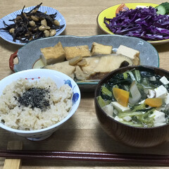 厚揚げ/ひじき/時短レシピ/簡単レシピ/夕ご飯/紫キャベツ いつの日かの夕ご飯!メインは、魚の煮付け…