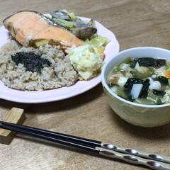 ポテトサラダ/味噌汁/キャベツ/アサリ/鮭/簡単レシピ/... いつの日かの夕ご飯!メインは、キャベツ、…(1枚目)