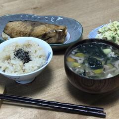 夕ご飯/魚/黒酢/ブリ いつの日かの夕ご飯!ブリの照り焼きですが…