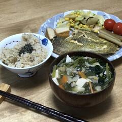 キャベツ/コーン/カレイの煮つけ/簡単レシピ/時短レシピ いつの日の夕ご飯!メインは、カレイの煮付…