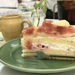 ケーキ/カフェ/グルメ/無花果/スィーツ 先日、カフェで食べた無花果のケーキ! 無…
