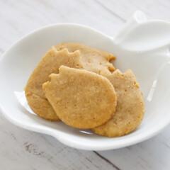 米粉/グルテンフリー/ヴィーガン/グルメ/フード 幼児用のグルテンフリーきなこクッキー。油…