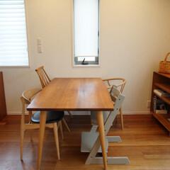 STOKKE トリップトラップチェア TRIPP TRAPP 子供椅子 ダイニング ベビー チェア イス ストッケ社(ベビーラック、チェア)を使ったクチコミ「本棚の中を整理して、ダイニングテーブル側…」