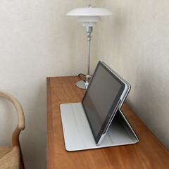 llouis poulsen ルイスポールセン PH 2/1 Table シルヴァー | ルイス・ポールセン(デスクライト)を使ったクチコミ「先日購入したipadケースは、しっかりし…」