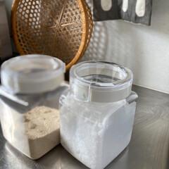 フレッシュロック 角型 1.1L(その他調理用具)を使ったクチコミ「今まで大きめの容器に砂糖と塩を入れていま…」