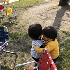 子どもたち/ハグ/散歩 今日は、3歳の頃から仲のよい親友と息子く…