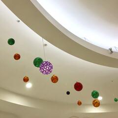 電気/イオンモール/ペーパークラフト/おでかけ イオンの中央広場の天井がとてもきれいだっ…
