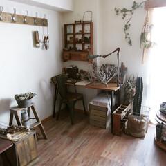 簡単DIY/アイアン/鉄脚/机/マンションインテリア/賃貸/... 【机DIY】 以前置いていた既製品の机が…