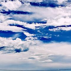台風前/雲/空 台風前の地元の空。  ぽっかり綿飴みたい…(1枚目)