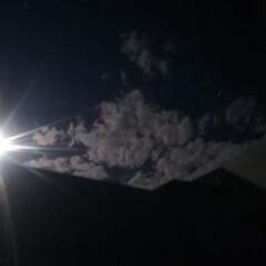 宇宙的/月明かり/恋愛成就/ストロベリームーン/月/令和元年フォト投稿キャンペーン/... 真っ暗な2階の寝室に行くと、月明かりで部…