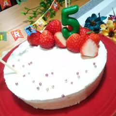 スイーツ/お誕生日おめでとう/ニューヨークチーズケーキ/レアチーズケーキ/チーズケーキ/誕生日会/... 今日は子供のお誕生日会をしました😊  前…