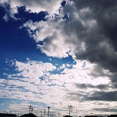 青が2色/雲/秋の空/空/秋 写真を撮った時は気付かなかったけど、なん…