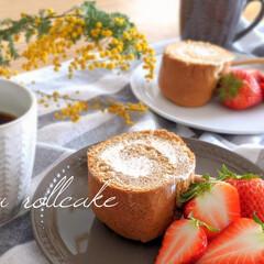ロールケーキ/紅茶味/手土産/お茶time/セリア/ダイソー/... 実家へ行く手土産にと、ロールケーキを焼き…