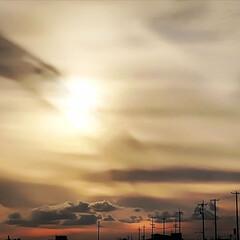 宇宙っぽい?/夕方空/空/秋/♡型の雲 15:20頃の地元空です。 まだ15時な…