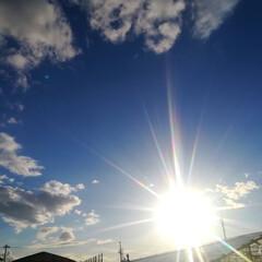ピンクの山々/夕陽/春の空/春のフォト投稿キャンペーン/風景 今日は久しぶりに力強い太陽で、空と雲がと…