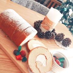 ブッシュドノエル/ロールケーキ/リメイク/クリスマス2019/ダイソー/100均/... 夫と子供が作ってくれたケーキの、チーズク…