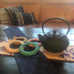 ニトリのレザーソファ/ニトリのクッション/ソーイング/グリーンの有る暮らし/リュック/財布/... 麻紐と紙紐で、鍋敷き作りました。 ちょっ…(1枚目)