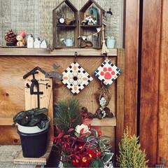 玄関インテリア/肉球タイル/四季の彩り/グリーンのある暮らし/吊るし飾り/栗の手ぬぐい/... 玄関ディスプレイ ブラウンインテリアの差…