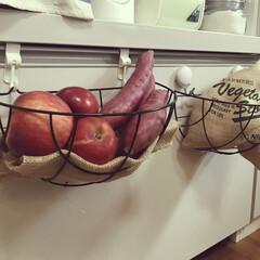 ガーデニング雑貨/根菜類/サツマイモ/常温保存可野菜/見せる収納/タカラスタンダード/... 常温保存可の野菜や果物は、 DAISOの…(1枚目)