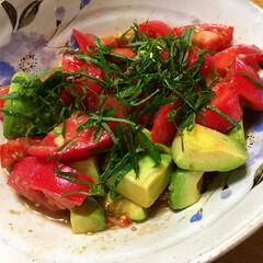トマト/アボカド/おつまみ 料理研究家のYuuさんのレシピみて作りま…