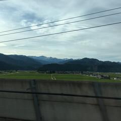 出張/イマソラ/梅雨 今日は日帰り東京出張 始発新幹線は山々を…