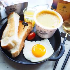 Cutipol クチポール GOA Mattgold ゴア マットゴールド デザートナイフ | クチポール(テーブルナイフ)を使ったクチコミ「セリアで購入したスキレット風プレート。か…」