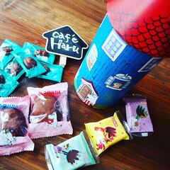 冬/おうち/グルメ/フード/スイーツ かわいいムーミンハウスの形をしたお菓子ケ…(1枚目)