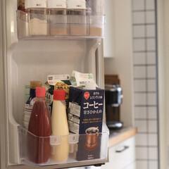 ドアポケット用仕切り/収納アイデア/冷蔵庫収納/冷蔵庫/セリア/100均/... おはようございます!  【冷蔵庫収納】 …