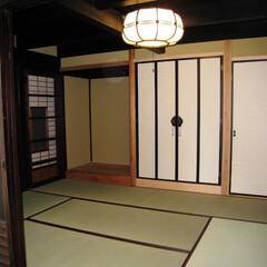 床の間/仏壇/古材の梁/差し鴨居 お母様が守り続けたこの家を壊すことはでき…