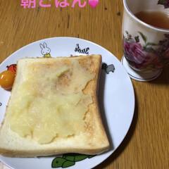 金柑の甘露煮/リンゴバター/食事情 朝は軽めな私ですがお薬を飲むのでちゃんと…